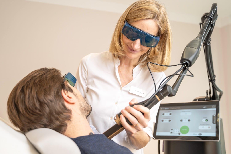 Lasertherapie - Dermatologie Phlebologie Altstadt München Dr. Kensy Dr. Bachmeier - Foto Rehbinder